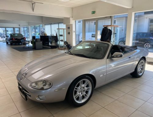 Zu verkaufen: Jaguar XK8 Cabriolet, 284PS, BJ 2000